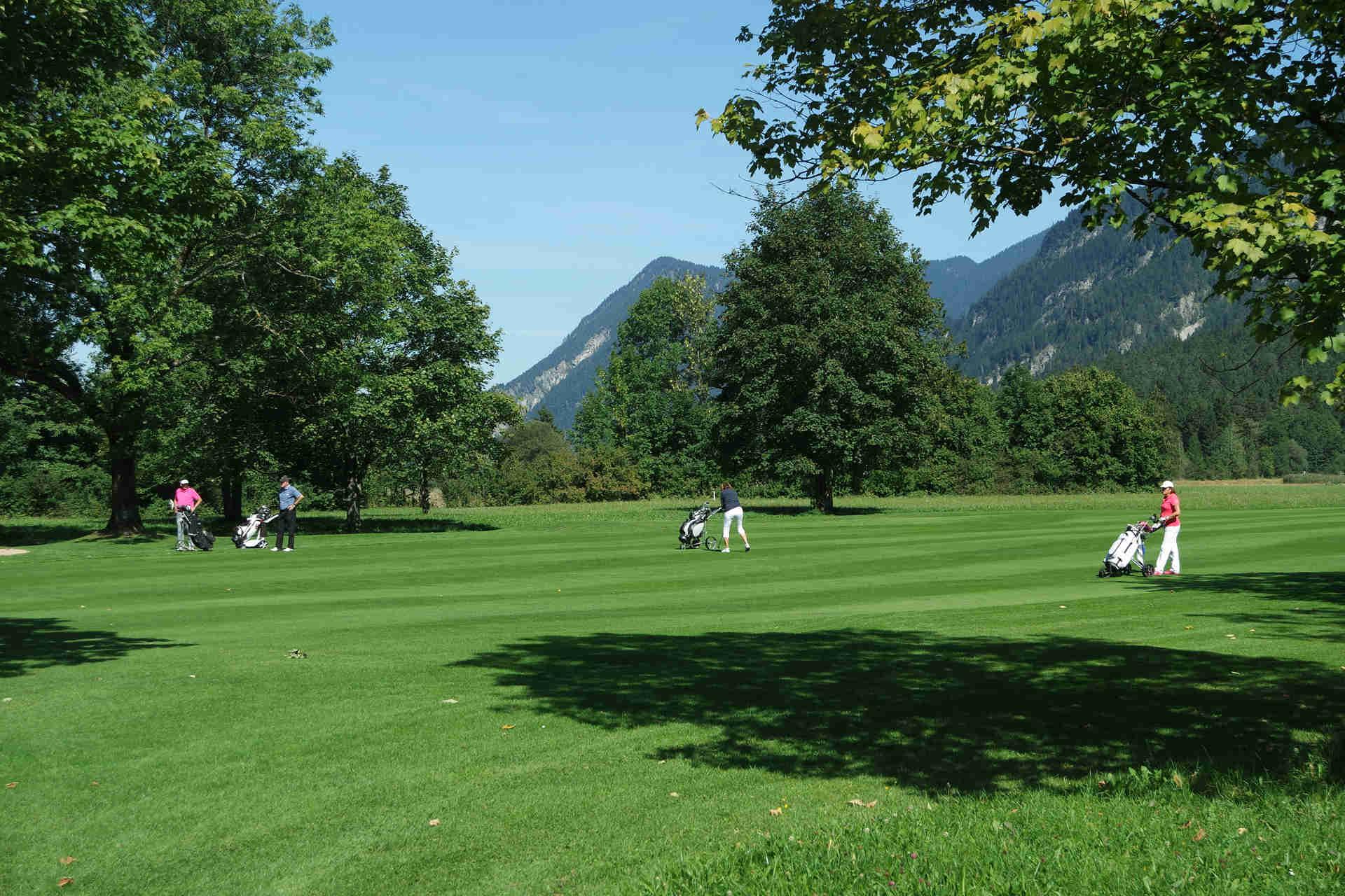 Der Golfplatz ist umgeben von einem schönen Panorama. (Foto: Golfclub Hotel Margarethenhof)
