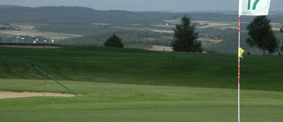 Schönes Spiel dank gepflegten Fairways. (Foto: Golfpark Heidewald)