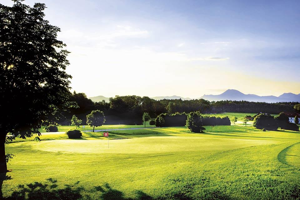 Auf der Runde können Golfer einen Blick auf den Gaisberg in Salzburg erhaschen. (Quelle: GC Berchtesgadener Land)