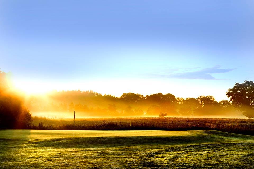 Der Golfplatz im schönen Bayern bietet Naturliebhabern das volle Programm. Hier zu sehen: Loch 15. (Quelle: GC Berchtesgadener Land)