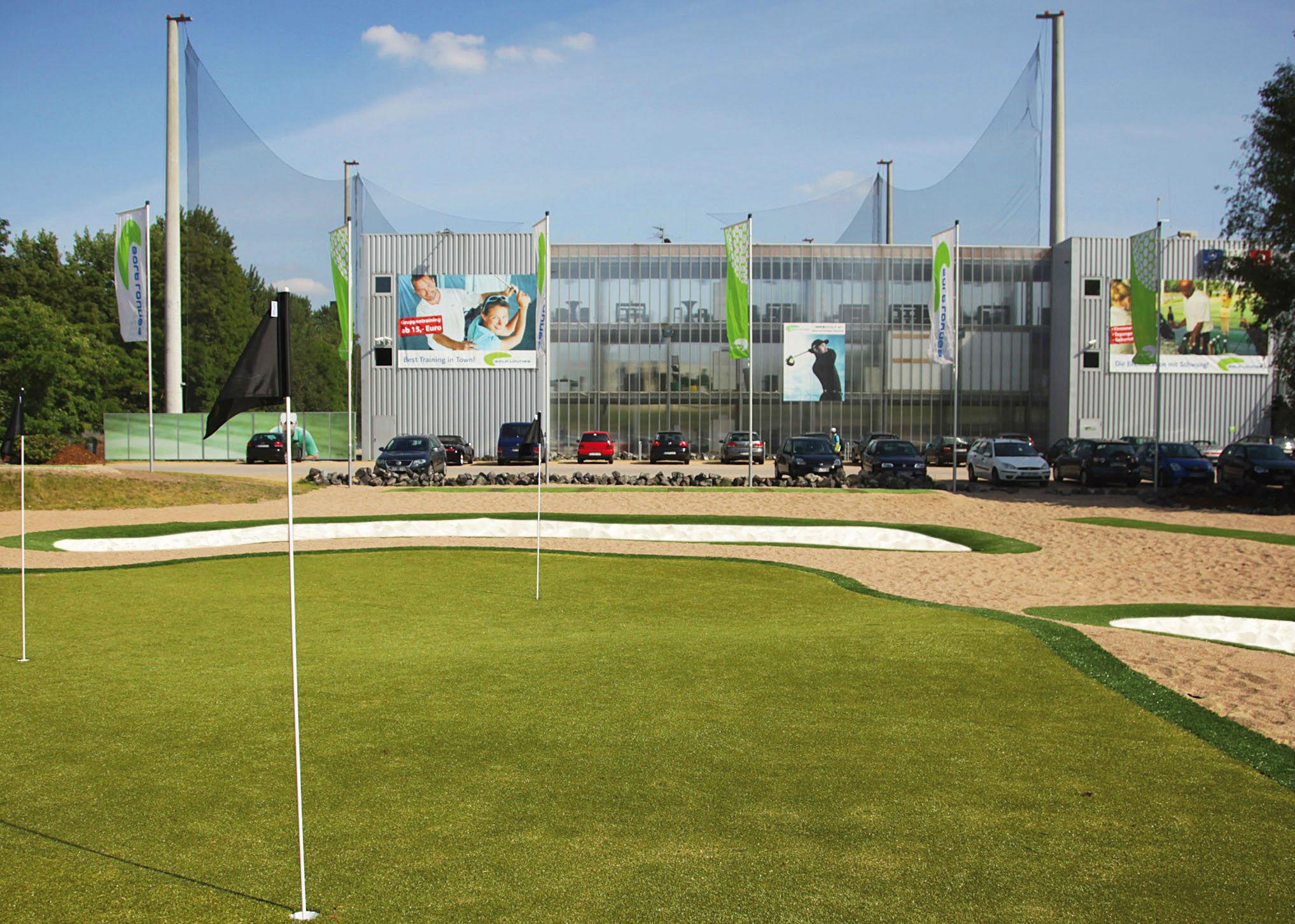 Auch kurzes Spiel kann hier trainiert werden. (Foto: Golf Lounge Hamburg)