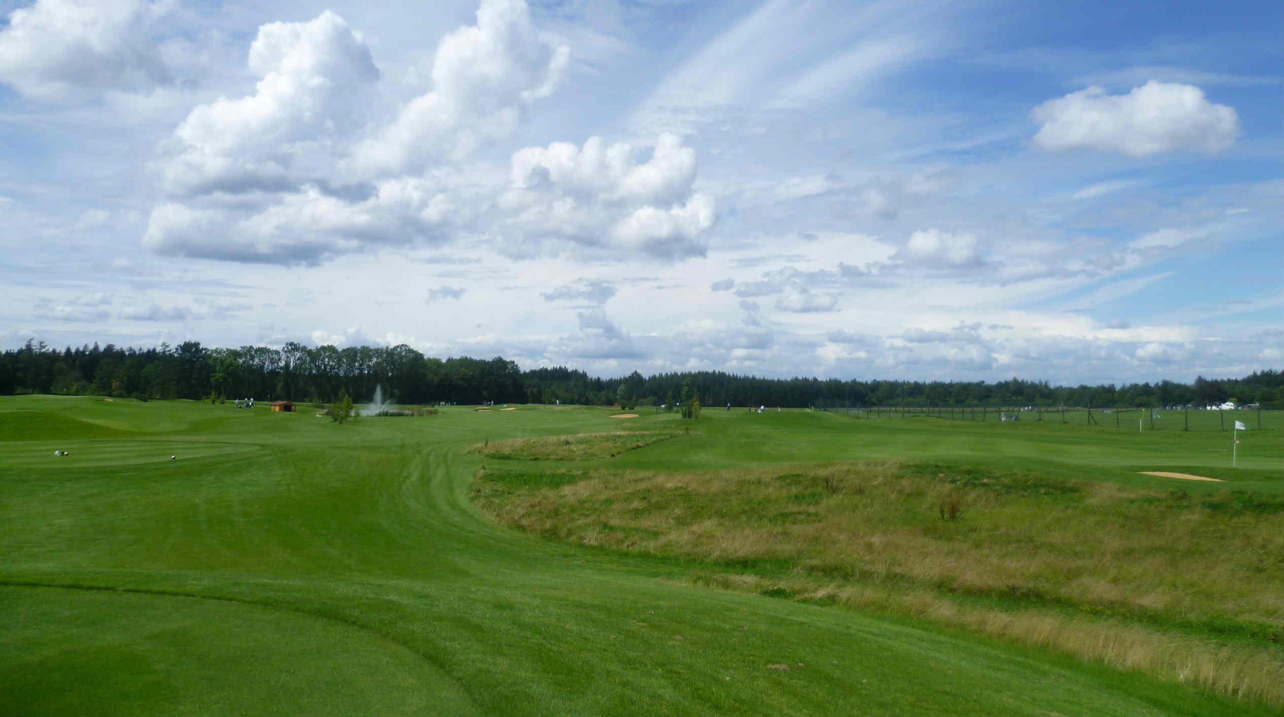 Die beiden Plätze sind schön gestaltet und gut gepflegt. (Foto: GolfRange München-Brunnthal)