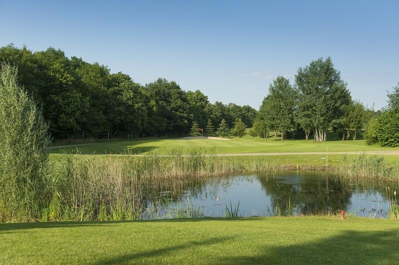 Golf spielen auf der Golfanlage Landgut Dreihof - Die Toscana Deutschlands. (Foto: Golfanlage Landgut Dreihof)