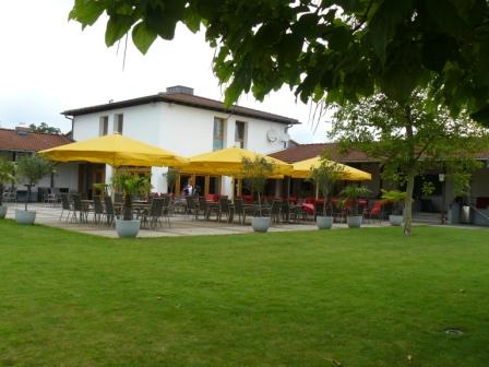 Der Golfclub Erftaue stellt sich vor. Hier zu sehen: das gemütliche Clubhaus. (Foto: GC Erftaue)