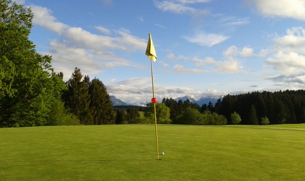 <h2>Auf der Gsteig in Lechbruck</h2> Genießen Sie Ihre Runde auf dieser abwechslungsreichen Golfanlage (Foto: s.schöttl).