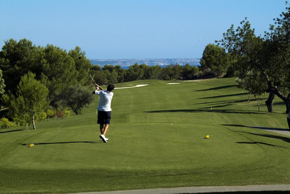 Die 18 Loch der Golfanlage wurden sehr großzügig angelegt und haben eine Gesamtlänge von 5929 m. (Foto: Arabella Son Quint)