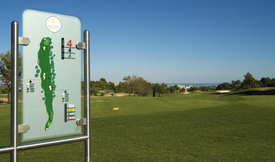 Der Schwerirgkeitsgrad des Platzes ist mittel und ist für Golfer ab Hcp -45 frei bespielbar. (Foto: Arabella Son Quint)