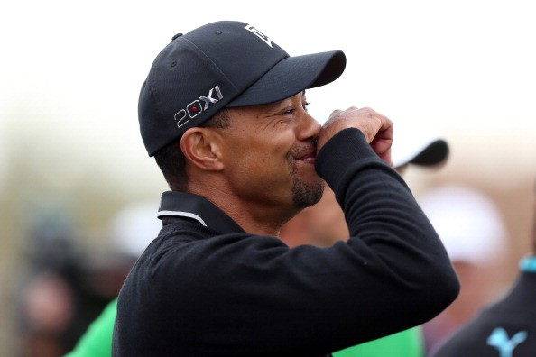 Tiger Woods lacht