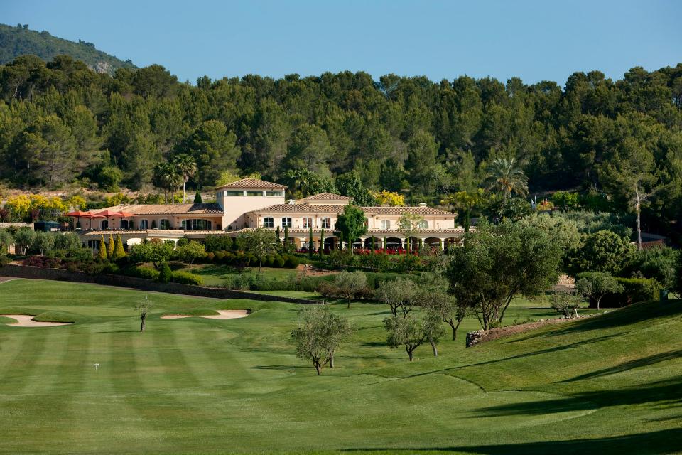 Der Arabella Golf Son Muntaner lockt mit technischem Design und einer wunderschönen mediterranen Landschaft die Besucher an. (Foto: Arabella Golf Son Muntaner)