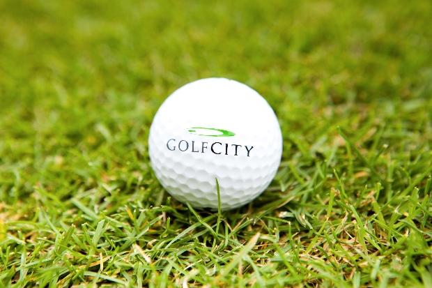 In ca. 80 Turnieren pro Jahr kann man sich mit anderen Golfern messen. (Foto: GolfCity)