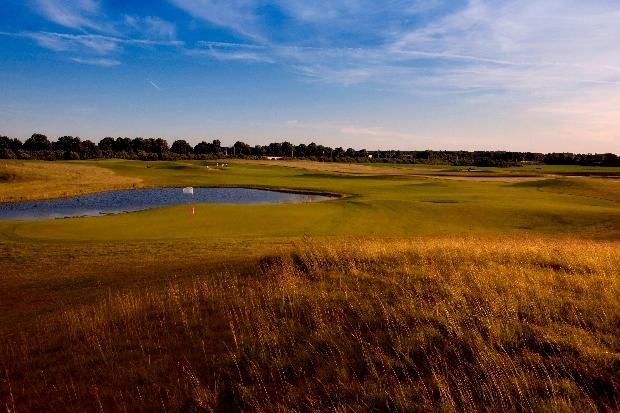 Neben dem Platz gibt es auch zahlreiche Abschlagplätze, Putting-, Pitching- und Chipping-Greens. (Foto: GolfCity)
