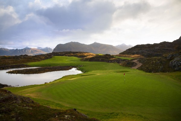 Lofoten-Golf-Links-9th_Kevin-Murray
