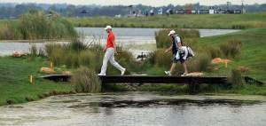 Martin Kaymer und Craig Conelly auf der Brücke bei der SA Open