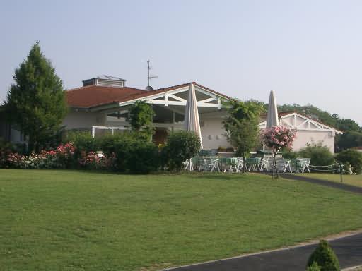 - Golfplatz in Wiesbaden-Delkenheim