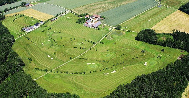 Der Golfplatz Landau aus der Vogelperspektive