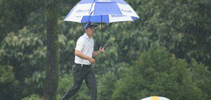 Auch der Weltranglistendritte Luke Donald muss bei der Maybank Malaysian Open auf seinen Start zur zweiten Runde warten (Foto: getty).