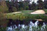 Ball im Wasser gelandet? Jeder Golfspieler kann in einer solchen Situation durch Regelkenntnis glänzen. (Foto: Flickr/.stephweiss)
