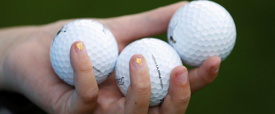 Normalerweise fliegt der Golfball nicht mehr so weit, sobald es draußen kalt wird. Ein neuer Ball soll gerade hier zu Höchstleistungen aufkommen. (Foto: Getty)