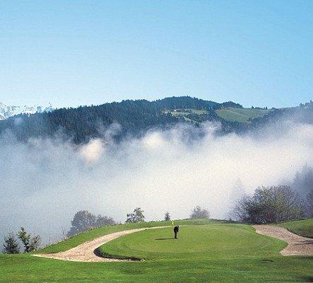 Der Golfclub Radstadt im Salzburger Land verfügt über eine Golfgondel