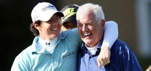 Rory McIlroy 2009 mit seinem Vater Gerry. Letzterer hat die Open-Wette auf seinen Sohn nun gewonnen. (Foto: Getty)