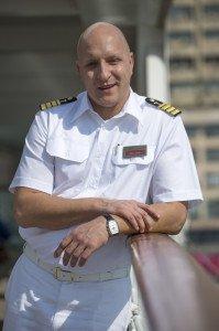 Der neue Hoteldirektor Oliver Schulz. (Foto: Reederei Deilmann)