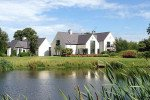 Robinhall House ist ein prachtvolles Anwesen mit einem Badesse sowie Golf- und Tennisplatz. Früher wohnte hier Golfprofi Rory McIlroy. Heute kann es für etwa 15.000 Euro pro Woche gemietet werden. (Foto: www.dailymail.co.uk)