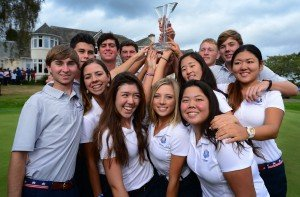 Team USA mit der Trophäe des Junior Ryder Cup. (Foto: Getty)