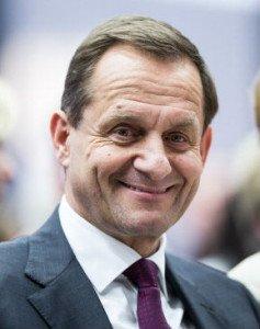 Alfons Hörmann (54) war Präsident des Deutschen Skiverbands, seit Dezember 2013 ist der Allgäuer der höchste Mann beim DOSB. 2000 hat er seine Platzreife gemacht.