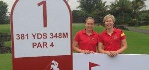 Ann-Kathrin Lindner (r.) und Nina Holleder bei der World Ladies Championship im Mission Hills Resort.