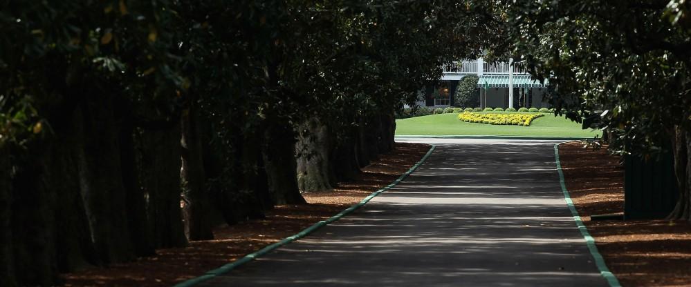 Die Magnolia Lane ist für eine Woche die wohl wichtigste Straße Augustas. (Foto: Getty)