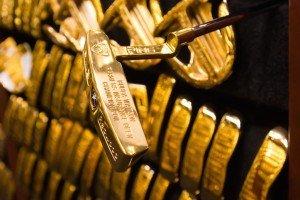 Über 2.800 goldene Schläger befinden sich im Tresor bei PING.