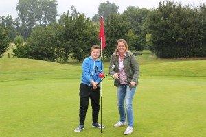 David Jaeger mit seiner Mutter Karin Jaeger im Golfclub Schloss Horst in Gelsenkrichen. (Foto: GC Schloss Horst)
