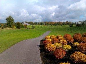 Sierra Golf Club, Loch 18: Clubhaus in Sicht. (Foto: Michael F. Basche)