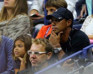 Tiger Woods schaut bei der US Open 2015 das Duell zwischen Rafael Nadal und Fabio Fognini (Foto: Getty)