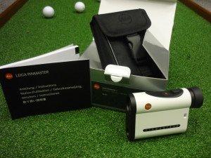 Der Leica Pinmaster II wird mit Tasche und kompakter Anleitung geliefert.