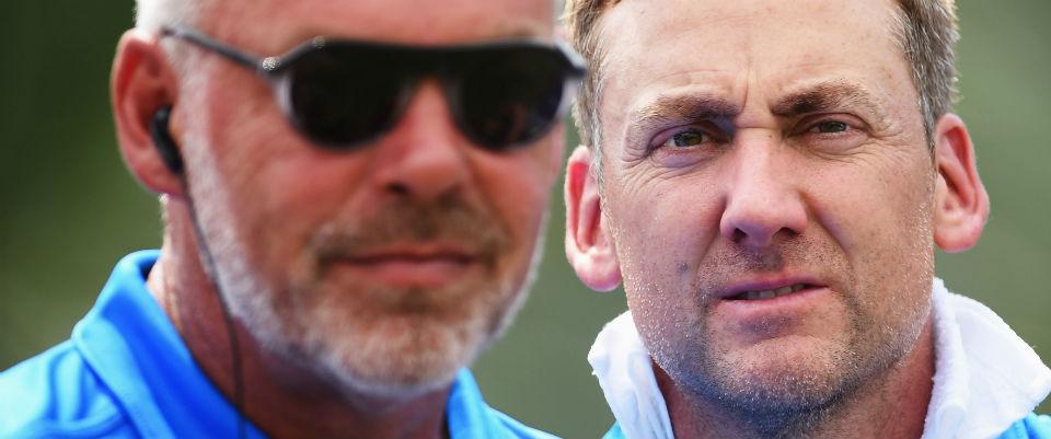 Ryder-Cup-Kapitän Darren Clarke (l.) sieht Ian Poulter und Lee Westwood nach dem Sieg im EurAsia Cup sicher im Team für Hazeltine.