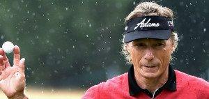 Steht auch Berhard Langer bald im Regen? Der PGA Tour Champions drohen schwere Zeiten. (Foto: Getty)