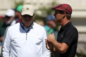 Bryson DeChambeau mit seinem Trainer Mike Schy beim Masters 2016 in Augusta. (Foto: Getty)