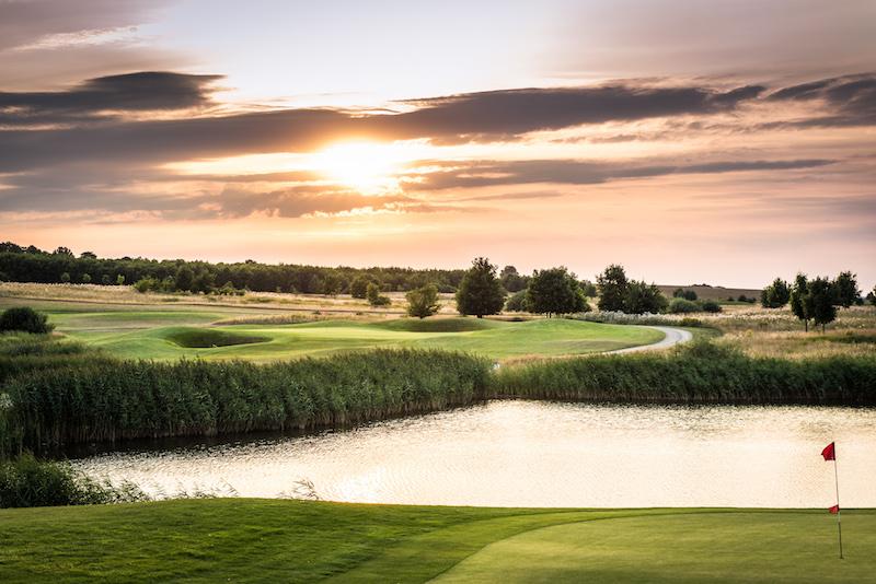 Exklusiver Spielgenuss auf 5 Golfplätzen.