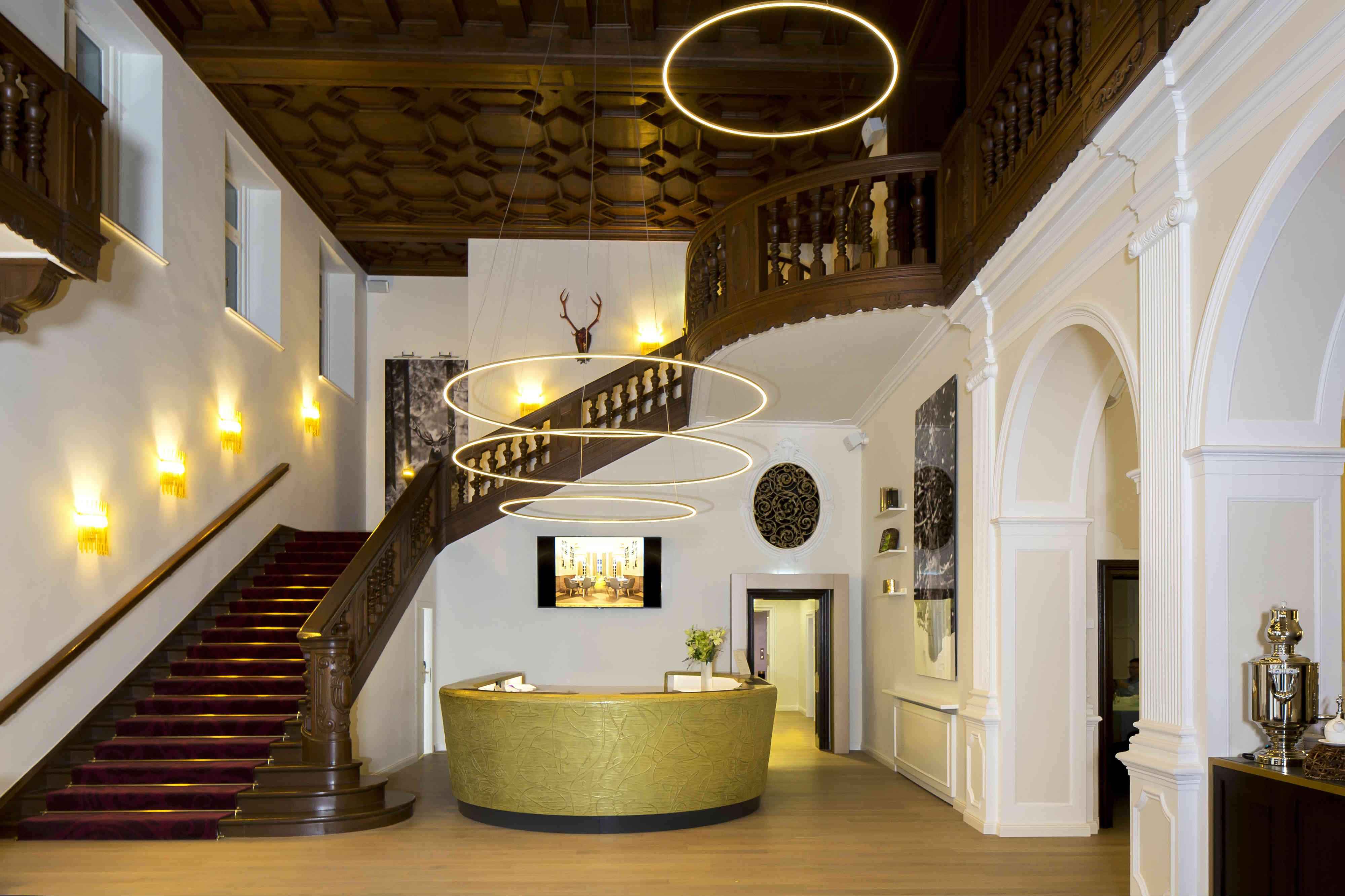 Das Schlosshotel Fleesensee besticht durch barocke Eleganz, stilvoll vereint mit modernem Design.