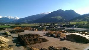 Holz über Holz im Heizwerk. (Foto: Golf Post)
