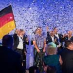 Emotionaler Höhepunkt: Die Siegerehrung mit Konfettiregen. (Foto: Mercedes-Benz)