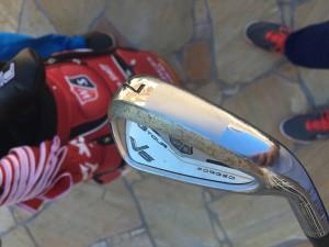 An den V6 FG Tour Eisen von Wilson Staff hat Marcel Siem nochmals höchstpersönlich Hand angelegt. (Foto: Golf Post)