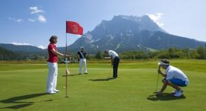 Der Golfplatz direkt an der Zugspitze: Golfplatz Tiroler Zugspitze. (Foto: Albin Niederstrasser)
