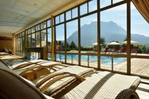 Der Wellnessbereich des Hotel Post bietet einen ruhigen Ort für erholsame Entspannung. (Foto: Hotel Post Lermoos)