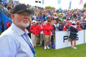 Ping-CEO John Solheim ist voll des Lobes für seinen langjährigen Kollegen und Freund Doug Hawken. (Foto: Getty)