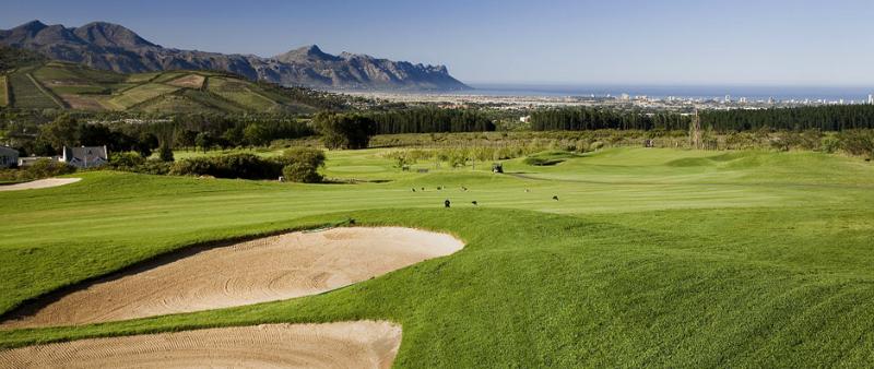 Golfen im Erinvale Golfclub mit Ausblick. (Foto: erinvale.co.za)