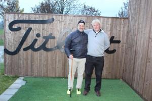 Am Ende waren Andrew Lee und Sebastian Ortmann zufrieden. Der Eine hatte wieder einen Golfer glücklich gemacht und der Andere war der Glückliche. (Foto: Golf Post)