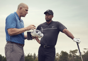 Tiger Woods und Tobias Hatfield arbeiteten knapp 1 1/2 Jahre am neuen Nike Golfschuh. (Foto: Nike)