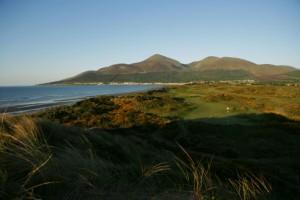 Royal County Down liegt in den Dünen an der Irischen See.